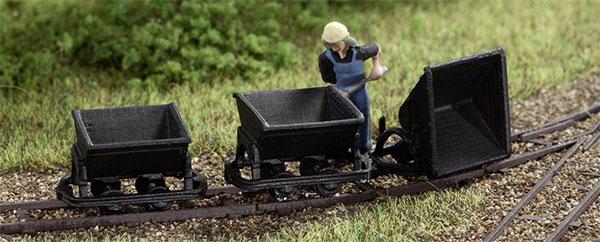 Voorbeeld van een Auhagen dummy wagonset.